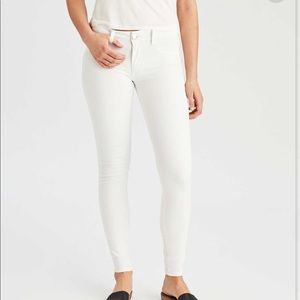 American Eagle Super Super Stretch White Jeggings